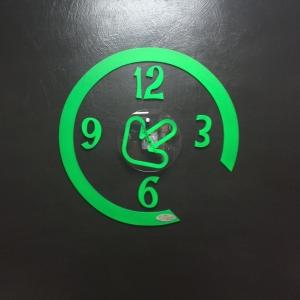 complementi d'arredo 2, orologio, legno, plexiglass, incisioni, taglio laser
