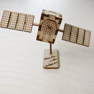 satellite, modellismo, taglio laser, legno