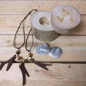 oggettistica, idee regalo, legno, incisioni, taglio laser, personalizzazione, collane, orecchini ciondoli